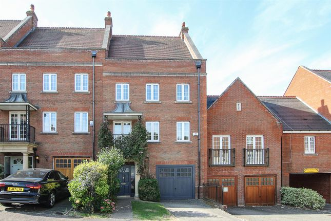 Thumbnail Property for sale in Kipling Close, Warley, Brentwood