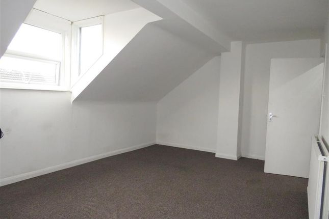 Thumbnail Flat to rent in Mayfield Street, Hull