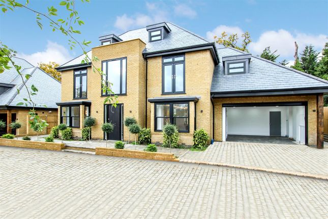 Thumbnail Property for sale in Woodcroft, London