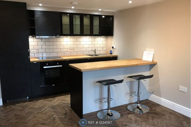 Thumbnail Flat to rent in High Street, Yeovil