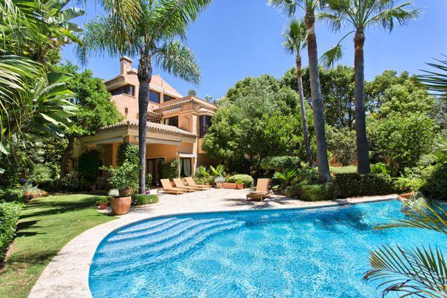 Thumbnail Villa for sale in Altos De Puente Romano, Marbella Golden Mile, Malaga, Spain