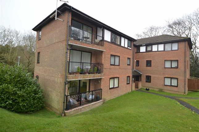 Thumbnail Flat for sale in Tretower, Crowborough