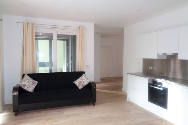 Thumbnail 1 bed flat for sale in Bythe Road, Hayes