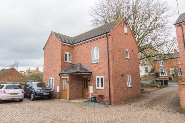 Thumbnail Maisonette for sale in High Street, Raunds, Wellingborough