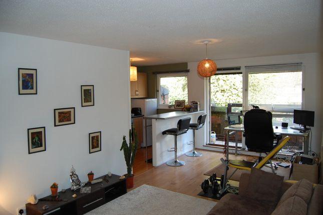 Thumbnail Flat to rent in Don Phelan Close, London