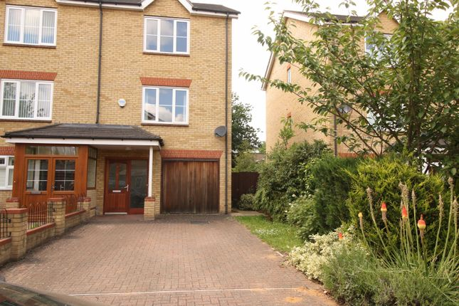 3 bed semi-detached house to rent in Fieldhouse Close, London