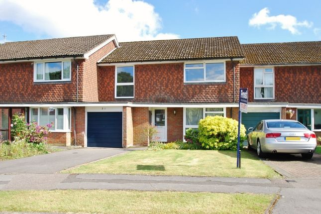 4 bed terraced house to rent in Devonshire Close, Amersham, Buckinghamshire HP6