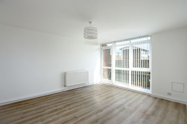 Thumbnail Flat for sale in Boscombe Gardens, Streatham, London