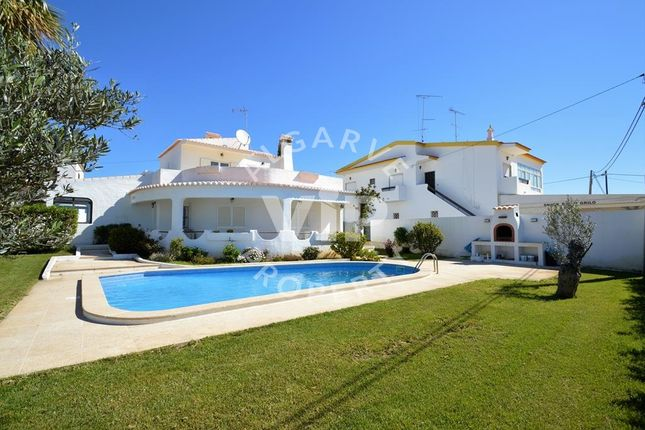 4 bed villa for sale in Albufeira, Portugal