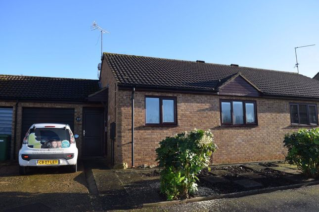 2 bed bungalow to rent in Fairhurst Way, Earls Barton, Northampton NN6