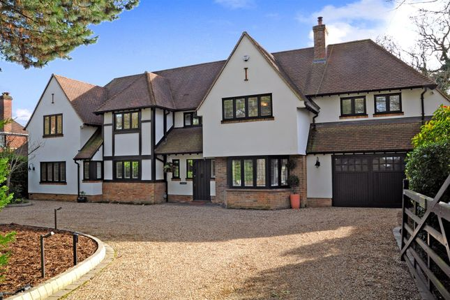 Thumbnail Detached house for sale in Ridgeway, Hutton Mount, Brentwood