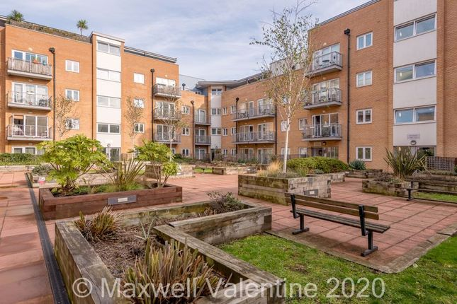 1 bed flat for sale in Whitestone Way, Croydon CR0