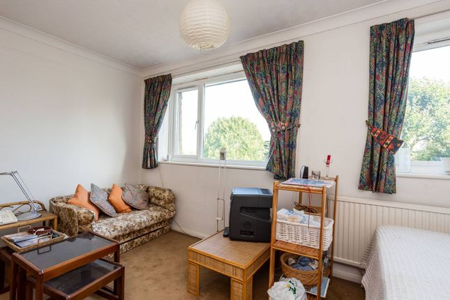 Thumbnail Terraced house for sale in Westleigh Avenue, Putney, London
