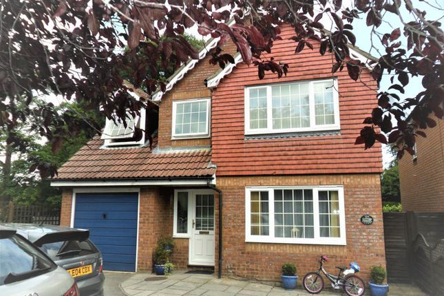 Thumbnail Detached house for sale in Hendon Road, Bordon