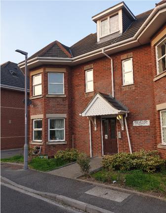 Thumbnail Flat to rent in 28 Warwick Road, Boscombe