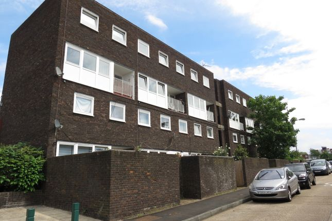 Thumbnail Flat for sale in Arabella Drive, London