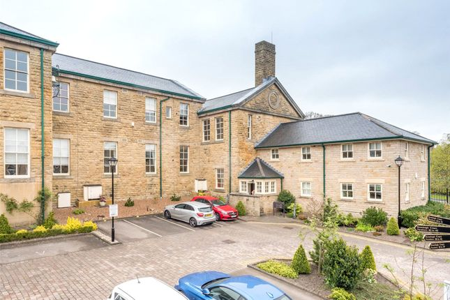 Thumbnail Flat for sale in Stoneleigh Court, Leeds, West Yorkshire