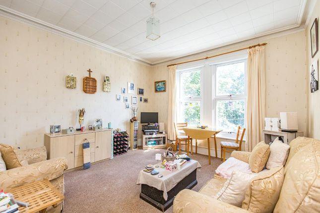 Living Room of St Peters Road, Croydon CR0
