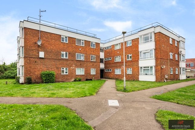 Thumbnail Flat for sale in Colnbrook, Slough