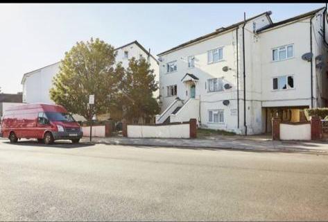 Thumbnail Flat for sale in Woodville Road, Thornton Heath