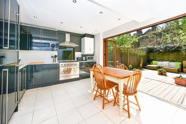 Thumbnail Terraced house for sale in Brook Drive, Kennington, London