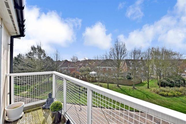 Thumbnail Flat for sale in Edgar Close, Kings Hill, West Malling, Kent