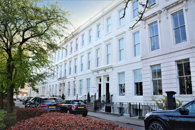 Thumbnail Flat for sale in Newton Terrace, Charing Cross, Glasgow