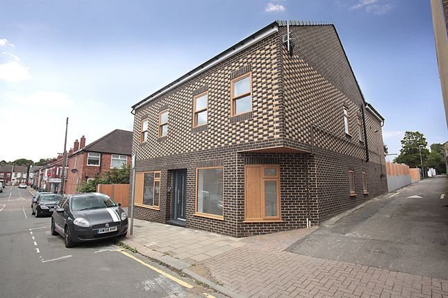 Thumbnail Flat for sale in William Street, Luton