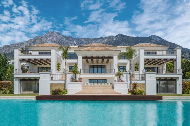 Thumbnail Villa for sale in Sierra Blanca, Marbella, Málaga, Andalusia, Spain