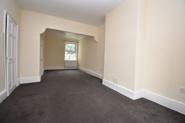 4 bed terraced house to rent in Abbey Grove, London SE2
