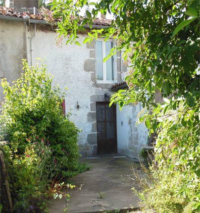 Thumbnail Cottage for sale in 79240, L' Absie, Moncoutant, Parthenay, Deux-Sèvres, Poitou-Charentes, France