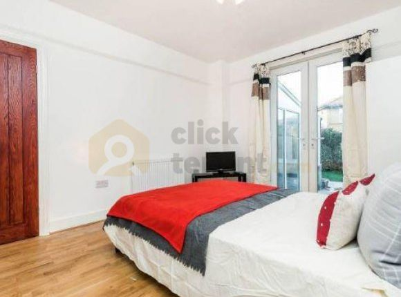 Thumbnail Property to rent in Russell Road, Mitcham, Greater London