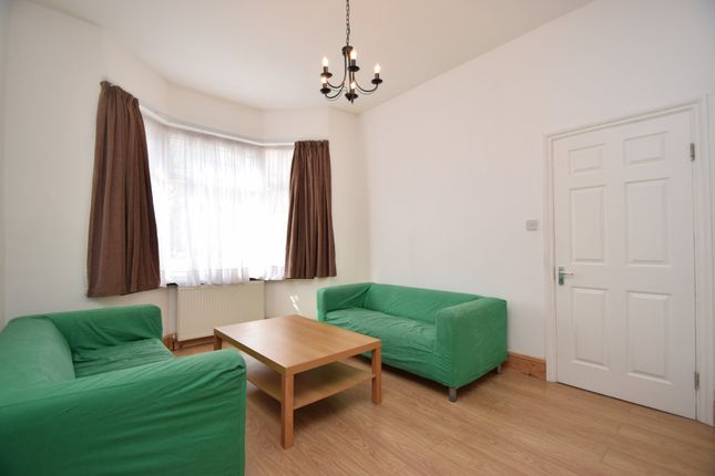 Thumbnail Terraced house to rent in Queens Road, Bounds Green