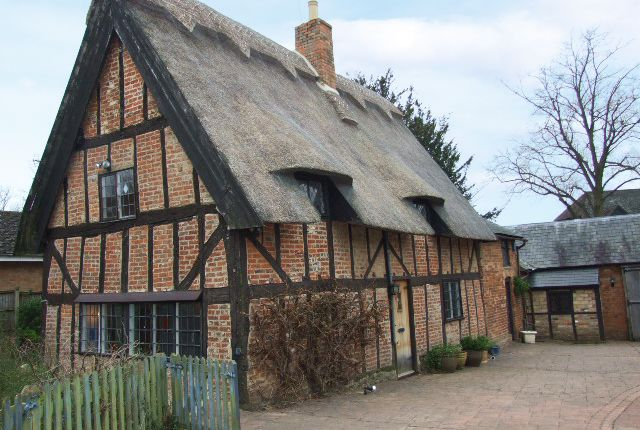 Thumbnail Country house for sale in Rotten Row, Great Brickhill