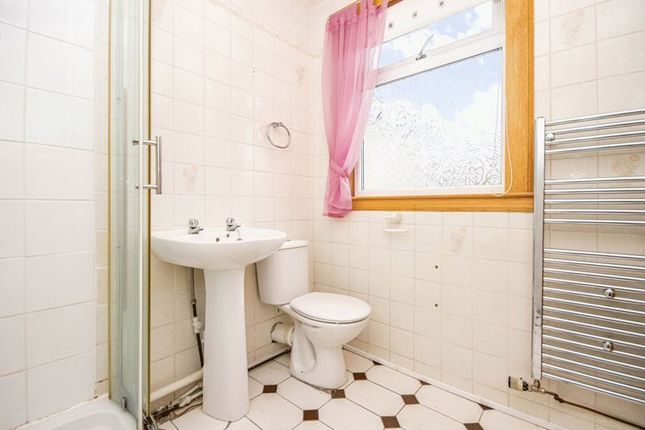 Photo 17 of Stobie Place, Oakley, Dunfermline KY12