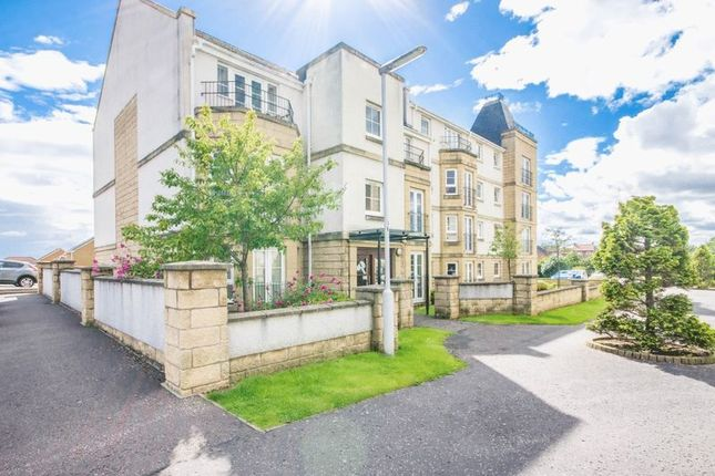 Flat for sale in Bittern Court, Dunfermline
