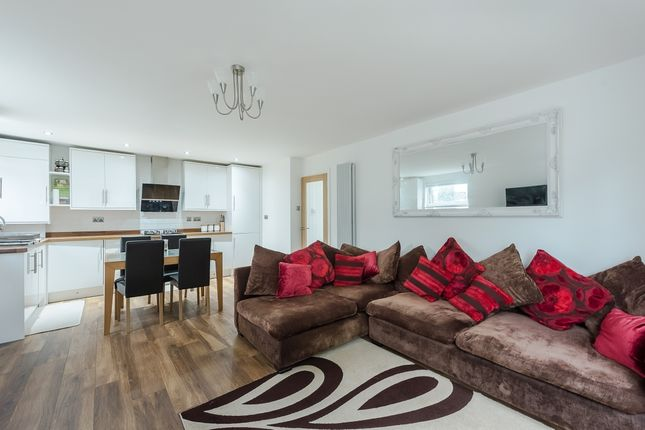 Thumbnail Flat to rent in Mead Place, Berry Lane, Rickmansworth