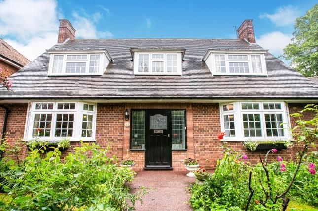 Thumbnail Detached house for sale in Broadwater Avenue, Letchworth Garden City, Hertfordshire, England