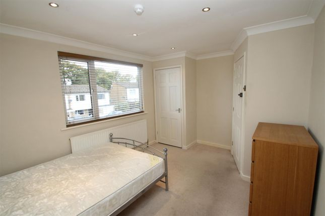 Thumbnail Room to rent in Caernarvon Close, Hemel Hempstead