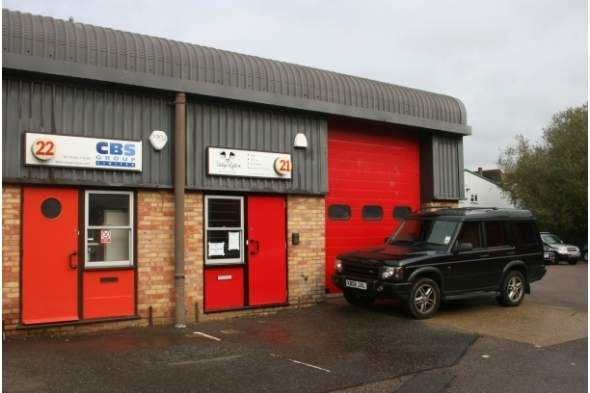 Thumbnail Warehouse to let in 21 Riverside Park Industrial Estate, Farnham, Surrey