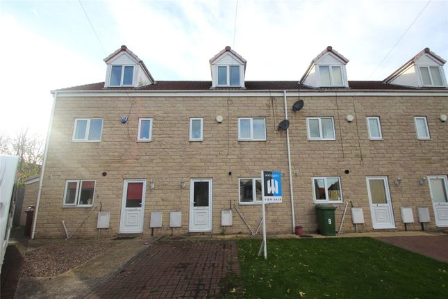 3 bed town house for sale in Fargate Close, South Kirkby, Pontefract