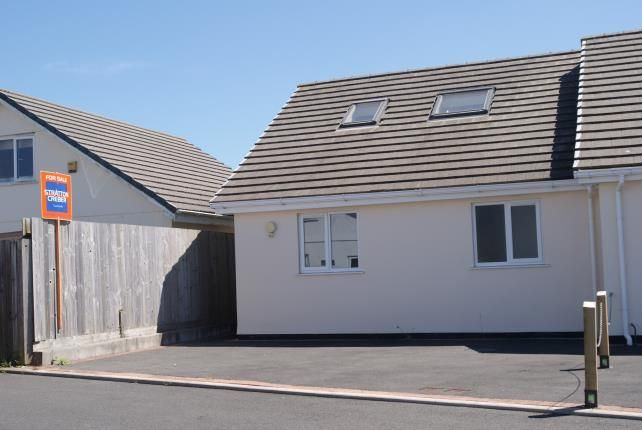 Thumbnail Bungalow for sale in St Merryn Holiday Park, Padstow, Cornwall