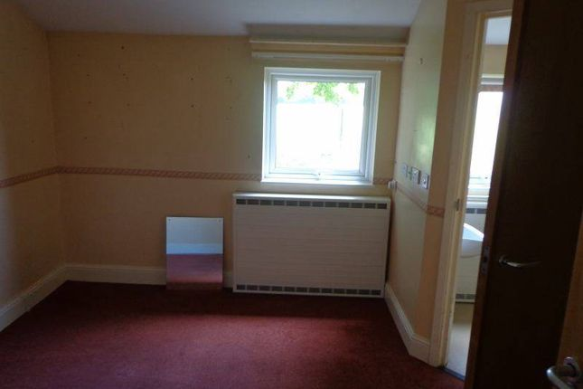 Thumbnail Shared accommodation to rent in Wamil Way, Mildenhall
