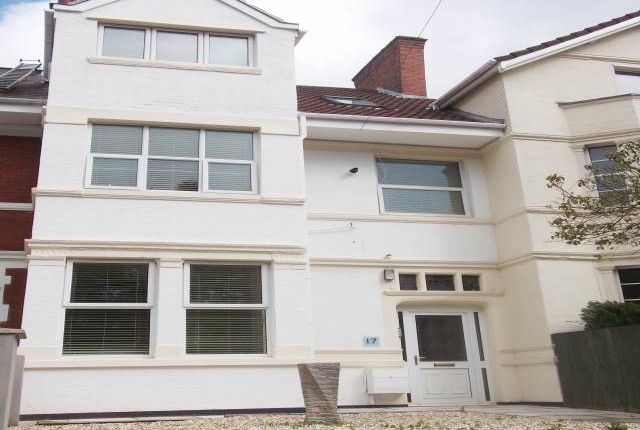 Thumbnail Room to rent in Stow Park Avenue, Newport