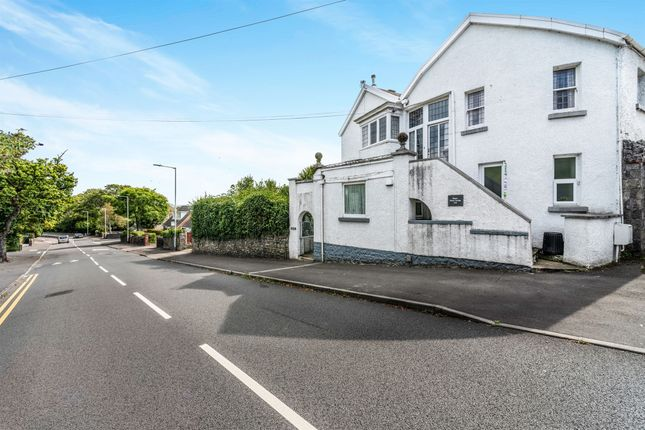 Thumbnail Flat for sale in West Cross Lane, West Cross, Swansea