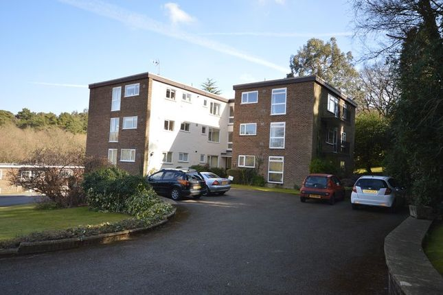 2 bed flat to rent in Hurstmere Close, Grayshott, Hindhead