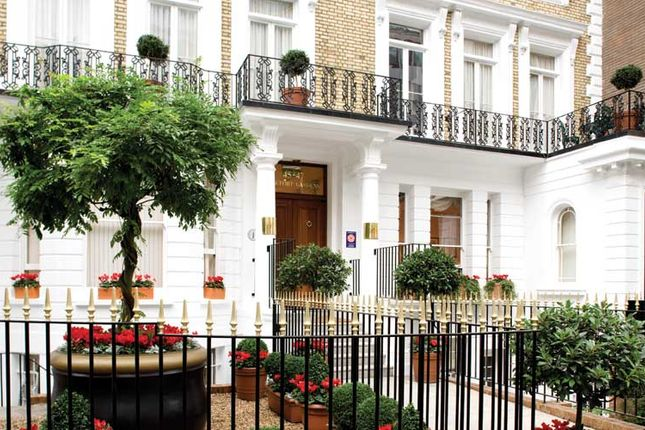 Thumbnail Flat to rent in Beaufort House, Beaufort Gardens, Knightsbridge