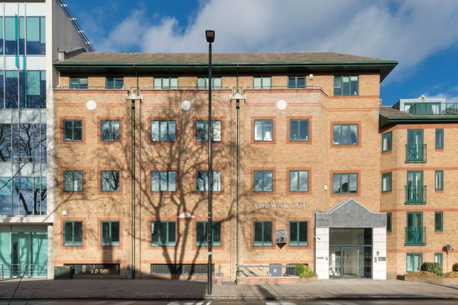 Thumbnail Office to let in Chiswick High Road, London