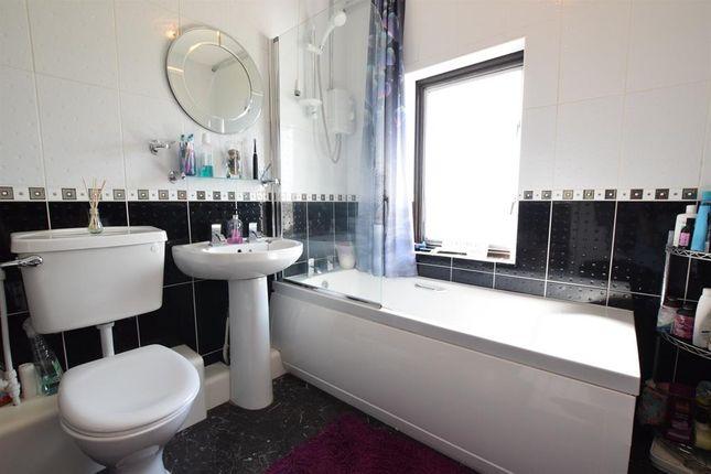 Bathroom of Priory Lane, Scunthorpe DN17