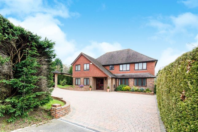 Thumbnail Detached house for sale in Beacon Gardens, Crowborough